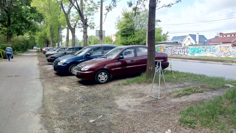 Нижегородцы стали парковаться на газонах в 4 раза чаще