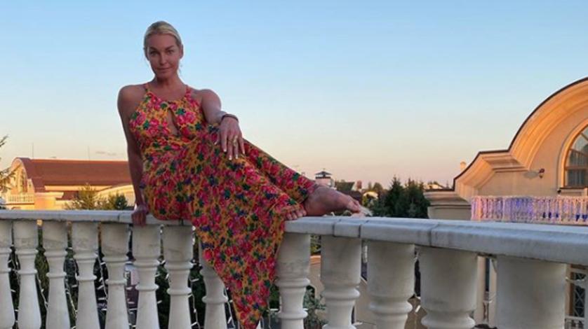 Волочкова снова требует отменить штрафы запосещение карантинного Дивеева